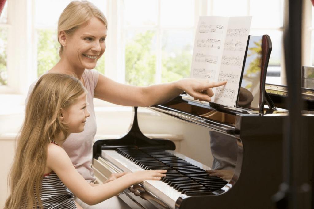 Cha mẹ nên làm gì khi trẻ chán học piano ảnh 2