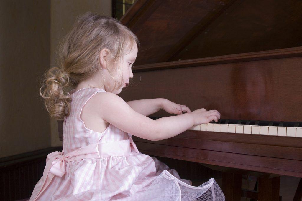 Cha mẹ nên làm gì khi trẻ chán học piano ảnh 3