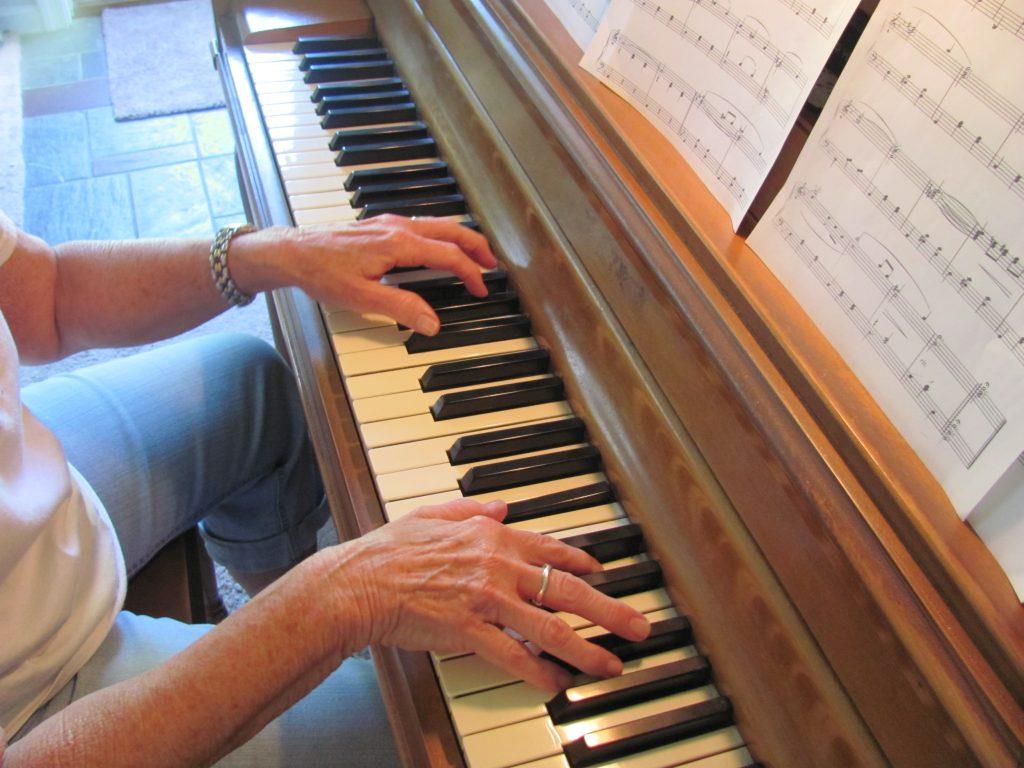 Lời khuyên cho người lớn tuổi học piano ảnh 2
