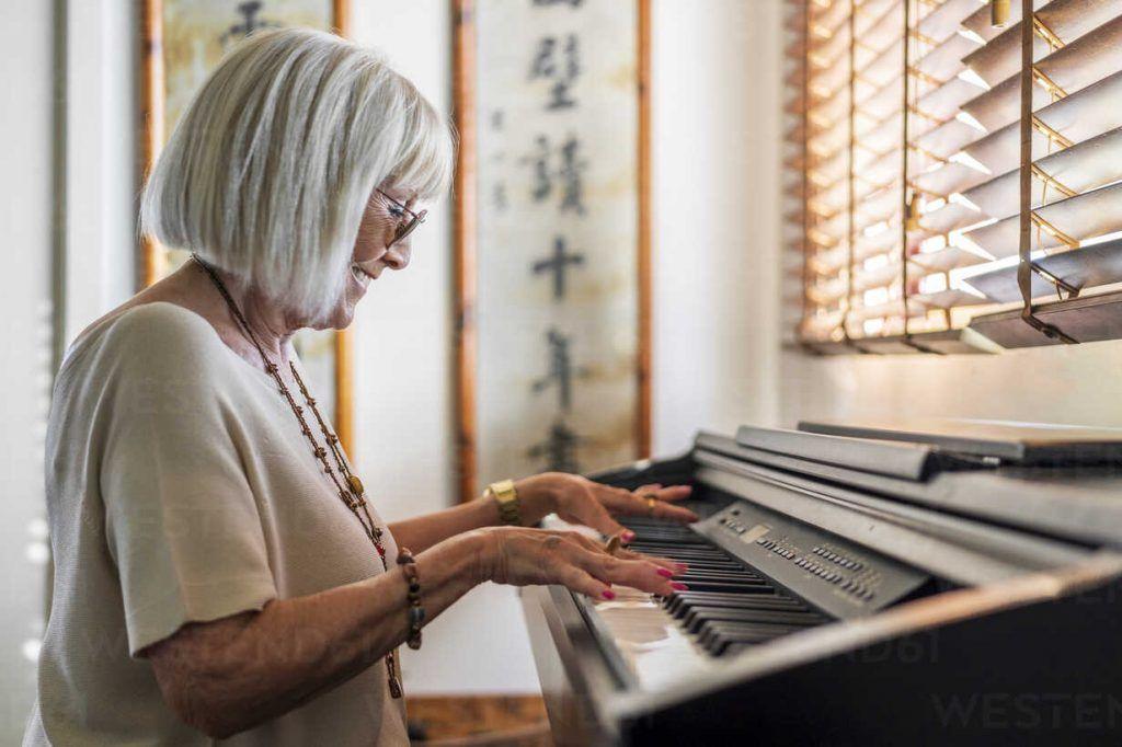 Lời khuyên cho người lớn tuổi học piano ảnh 3