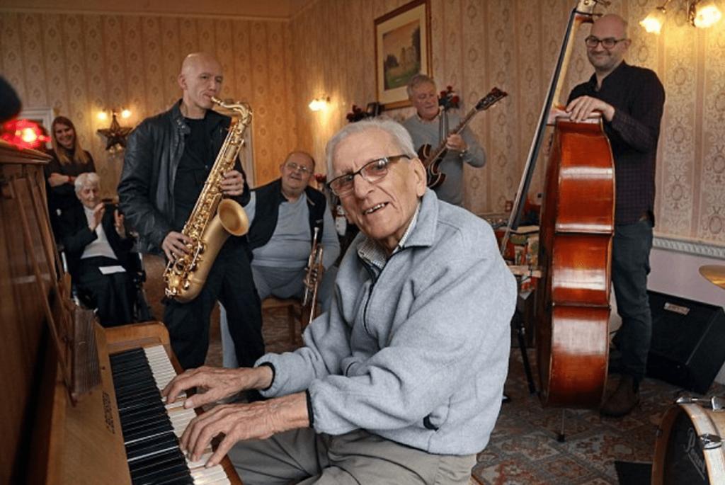 Lời khuyên cho người lớn tuổi học piano ảnh 4