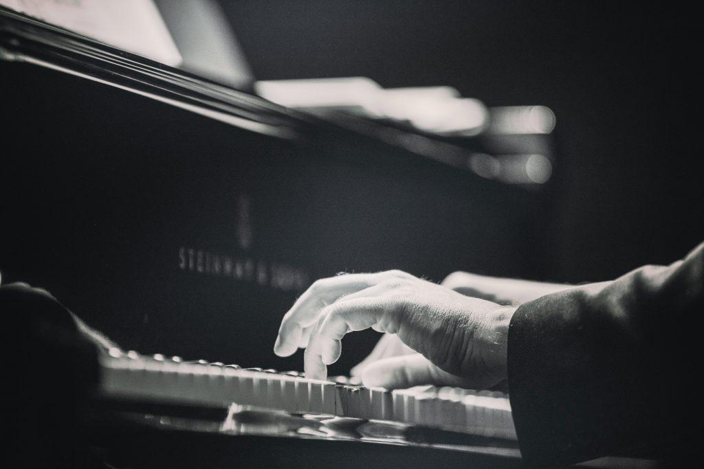 Mẹo học piano cổ điển dành cho người mới ảnh 1