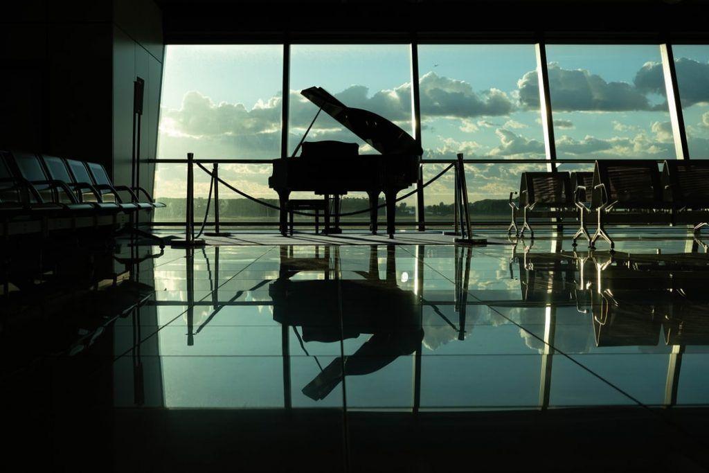 Những điều cần lưu ý khi chọn mua một cây đàn piano ảnh 1