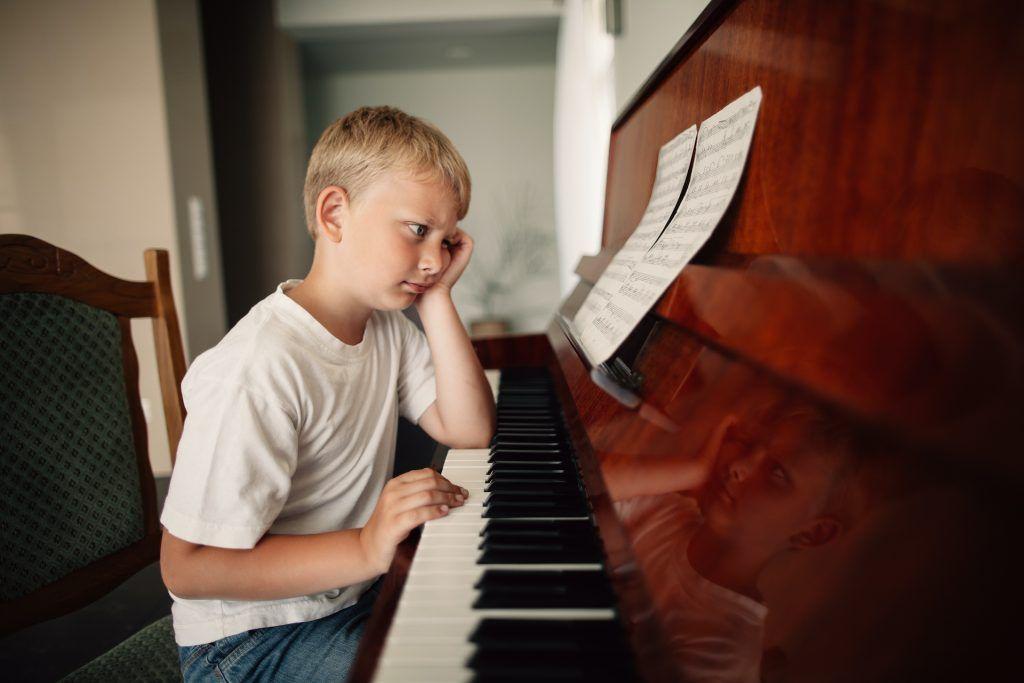 Những khó khăn của người mới học piano ảnh 2