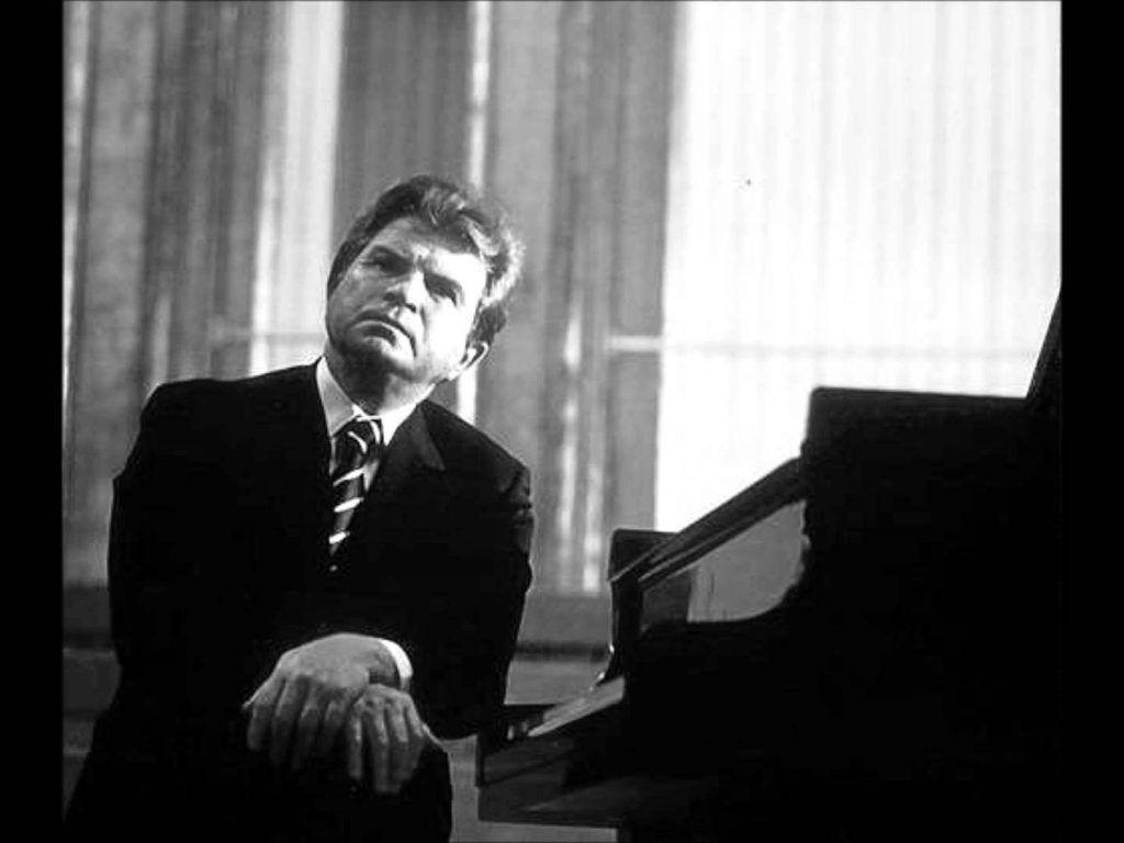 Top 5 nghệ sĩ piano nổi tiếng nhất thế giới ảnh 5
