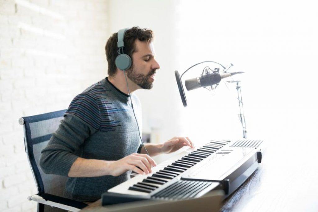6 tuyệt chiêu cải thiện kỹ năng vừa hát vừa chơi đàn ảnh 2