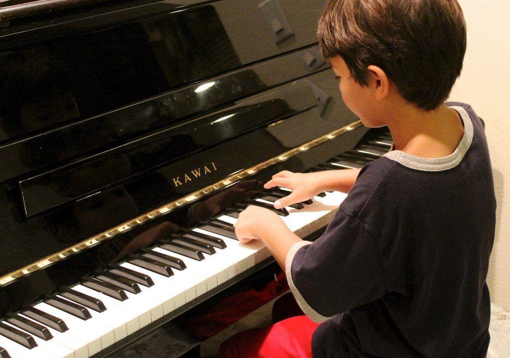 Chọn piano cho trẻ bắt đầu, tại sao không ảnh 2