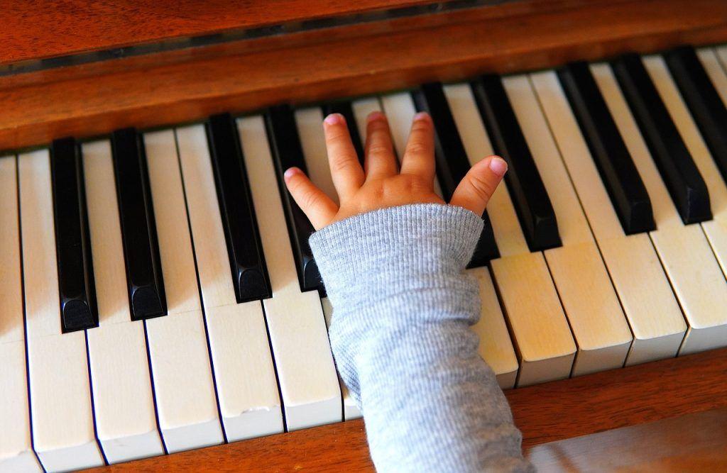 Chọn piano cho trẻ bắt đầu, tại sao không ảnh 3