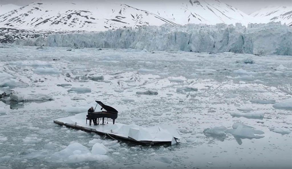 Khám phá những nơi kỳ lạ nhất mà đàn piano từng xuất hiện ảnh 1