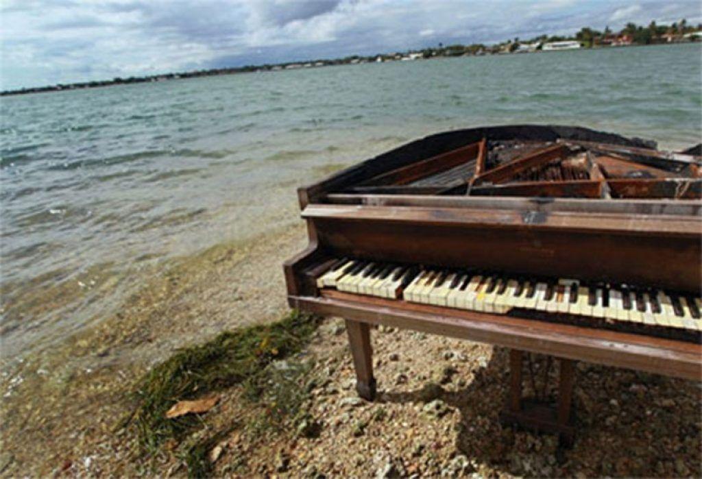 Khám phá những nơi kỳ lạ nhất mà đàn piano từng xuất hiện ảnh 4