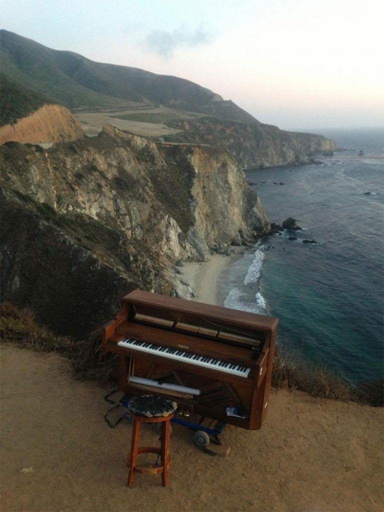 Khám phá những nơi kỳ lạ nhất mà đàn piano từng xuất hiện ảnh 5