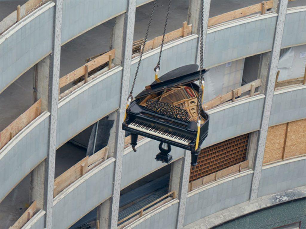 Khám phá những nơi kỳ lạ nhất mà đàn piano từng xuất hiện ảnh 7