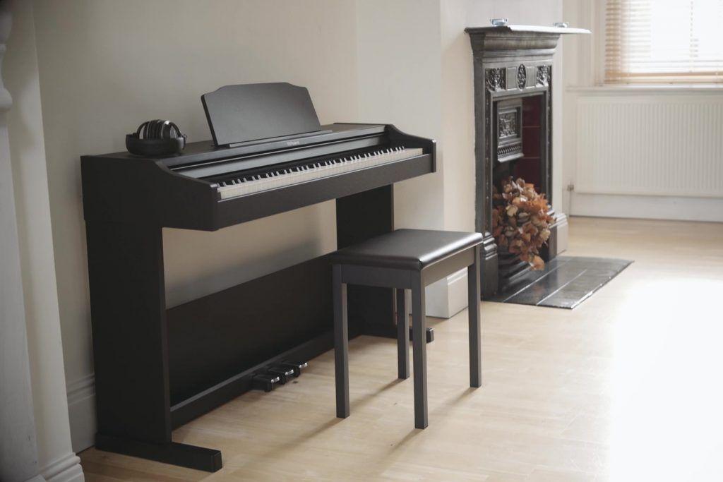6 lưu ý trước khi mua đàn piano điện ảnh 1