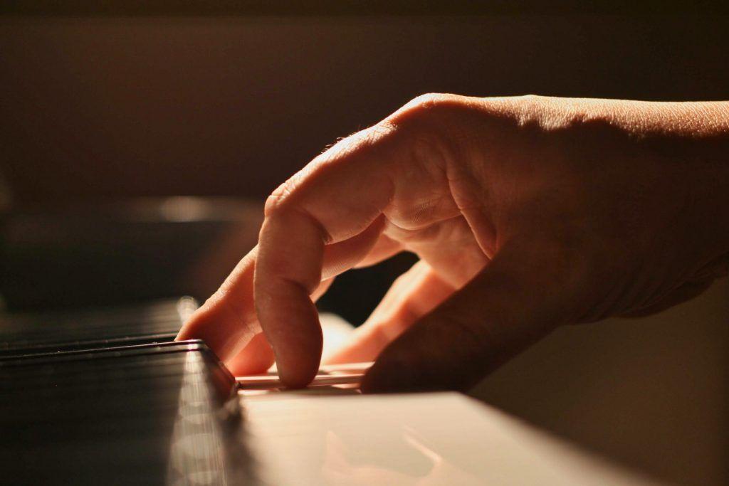 10 kỹ thuật giúp bạn chơi đàn piano hay hơn ảnh 4