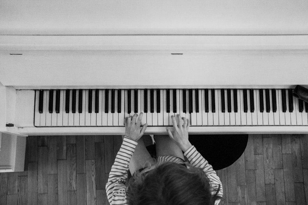 12 kỹ thuật chơi piano cho tay phải ảnh 1