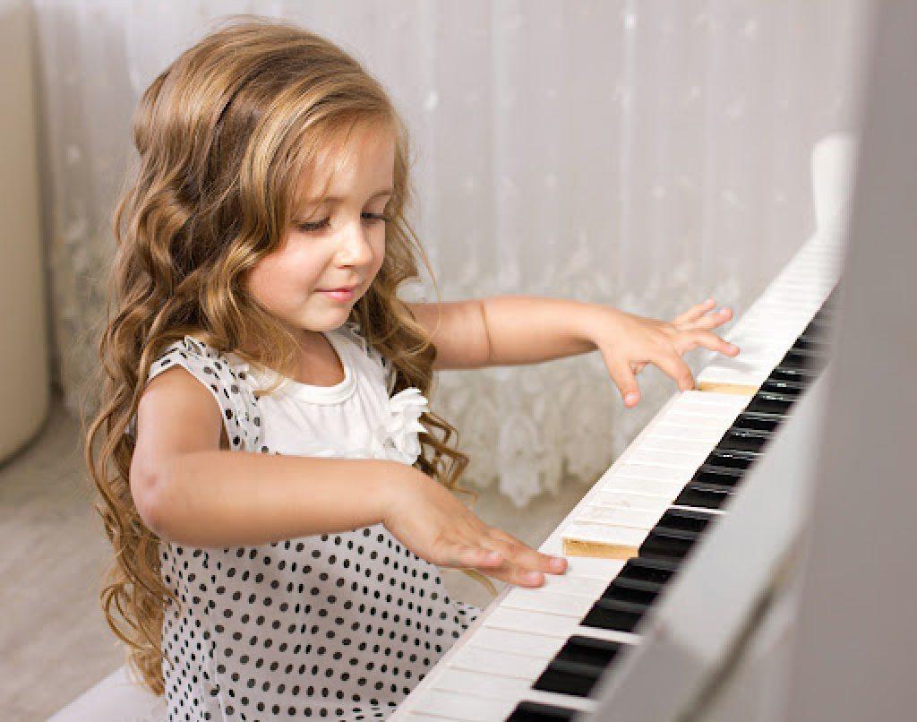 Cách khắc phục những lỗi thường gặp khi học đàn piano ảnh 1