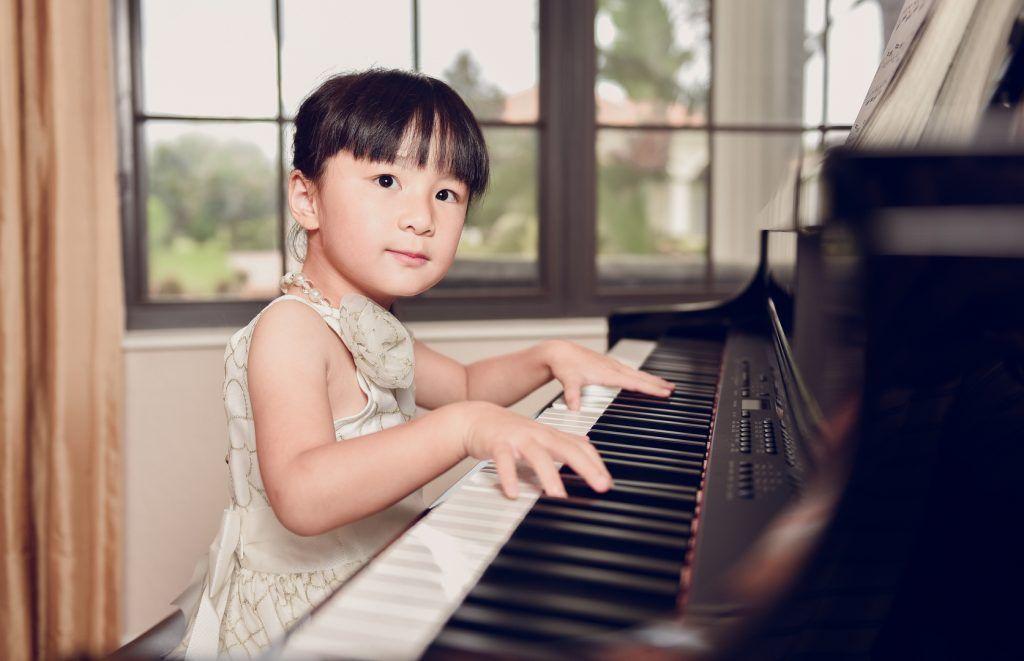 Phụ huynh nên cho con học organ hay piano ảnh 2