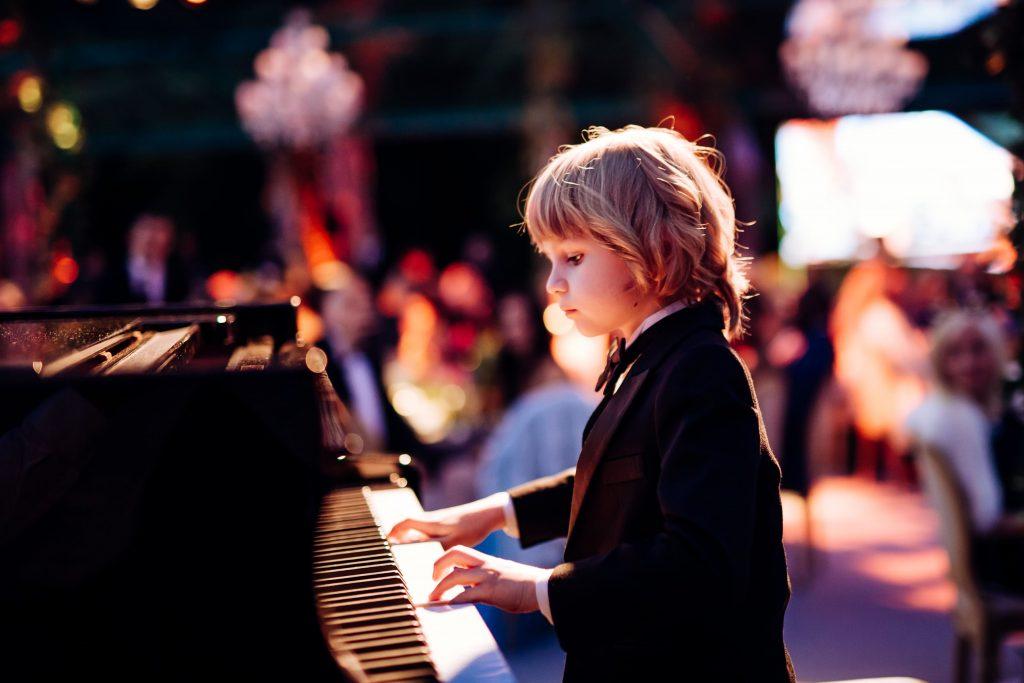 Phụ huynh nên cho con học organ hay piano ảnh 3