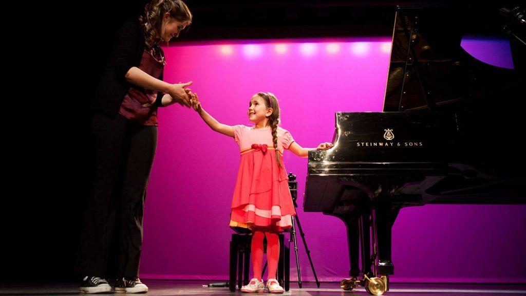Phụ huynh nên cho con học organ hay piano ảnh 4