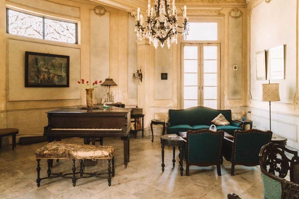Tại sao âm thanh đàn piano ở nhà và showroom lại khác nhau ảnh 2