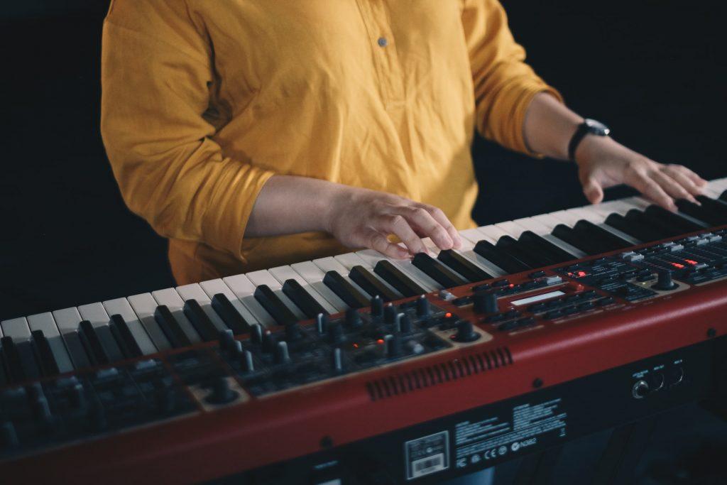 3 cách phối hợp hai tay khi chơi piano ảnh 3