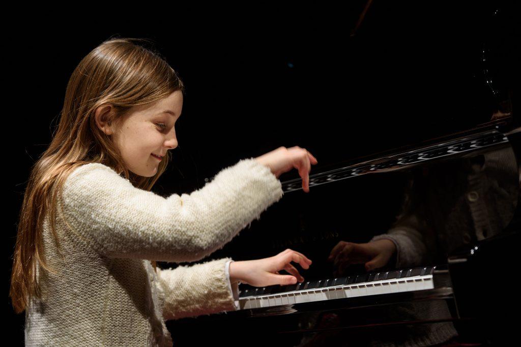 5 thần đồng piano nhỏ tuổi khiến khán giả phải mê mẩn ảnh 1
