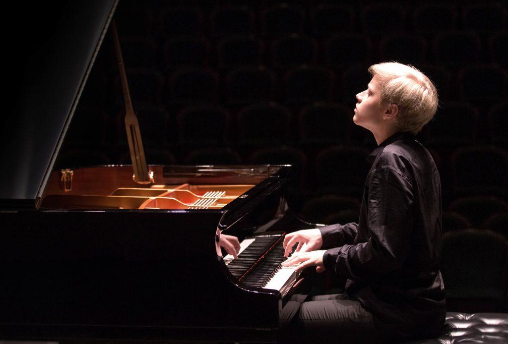 5 thần đồng piano nhỏ tuổi khiến khán giả phải mê mẩn ảnh 2