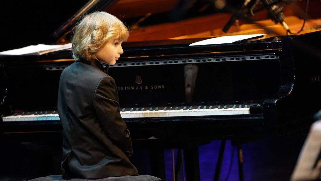 5 thần đồng piano nhỏ tuổi khiến khán giả phải mê mẩn ảnh 3