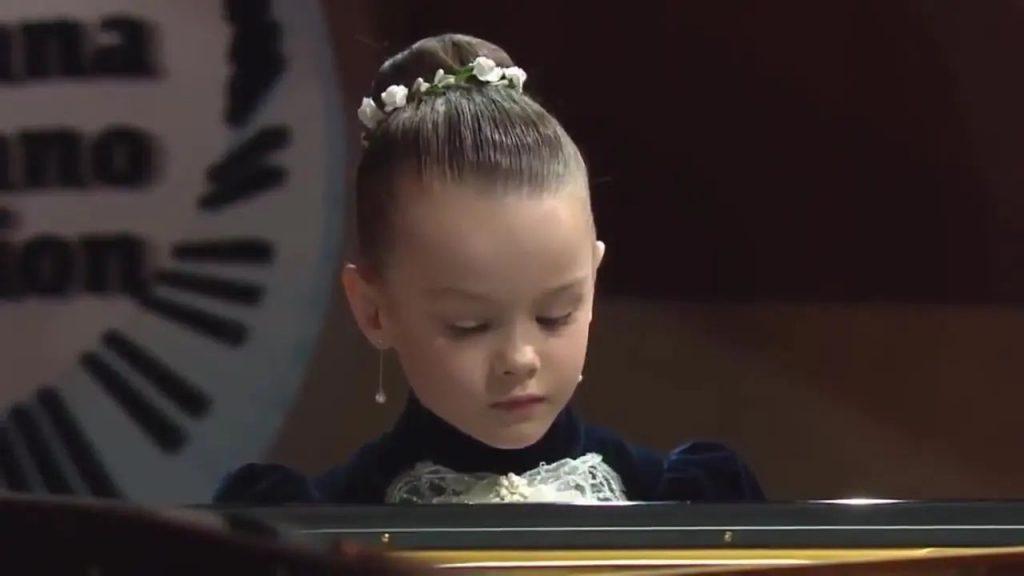 5 thần đồng piano nhỏ tuổi khiến khán giả phải mê mẩn ảnh 4