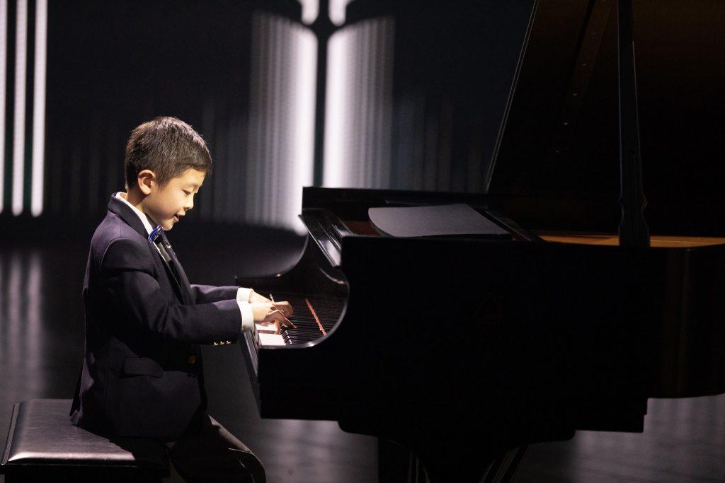 5 thần đồng piano nhỏ tuổi khiến khán giả phải mê mẩn ảnh 5