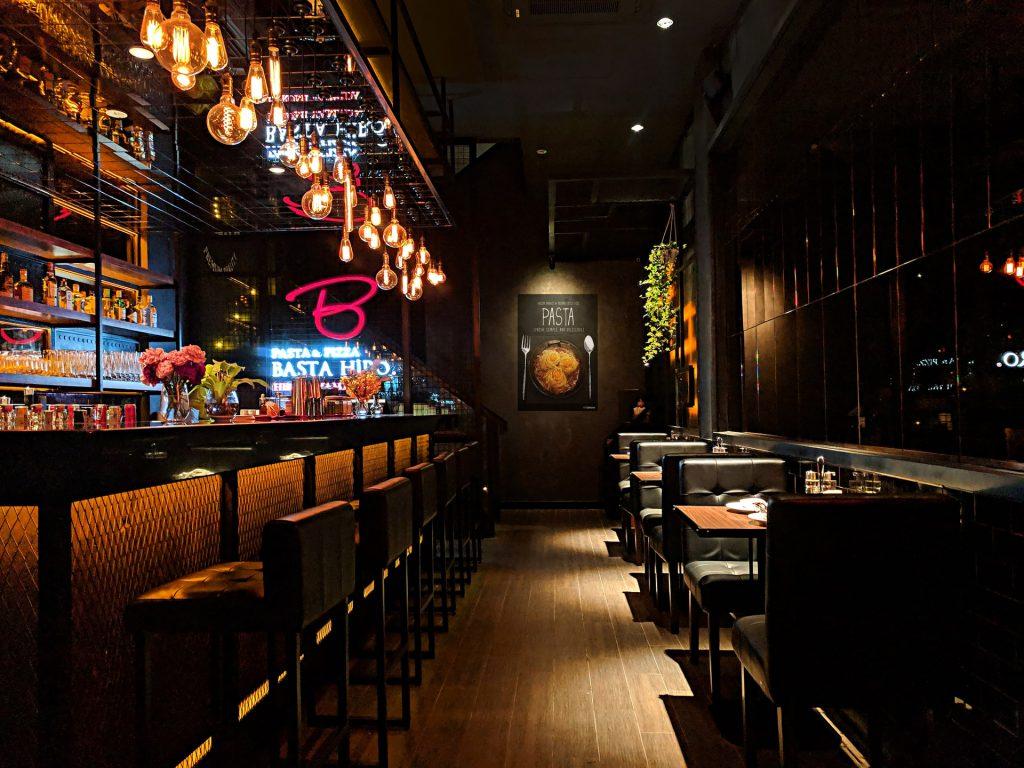 Bar, pub mở nhạc lớn có khiến chúng ta uống nhiều hơn ảnh 3