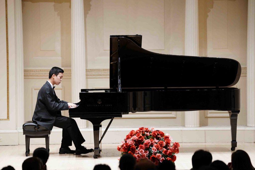 Nghệ thuật biểu diễn piano trước công chúng ảnh 3