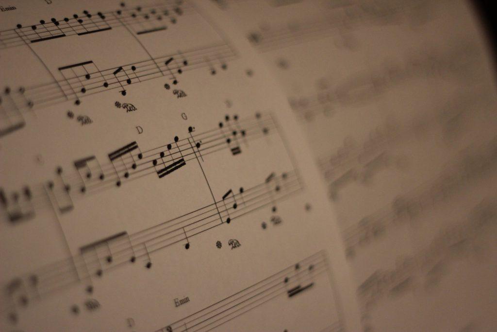 Tìm hiểu cấu trúc của một bản nhạc ảnh 2